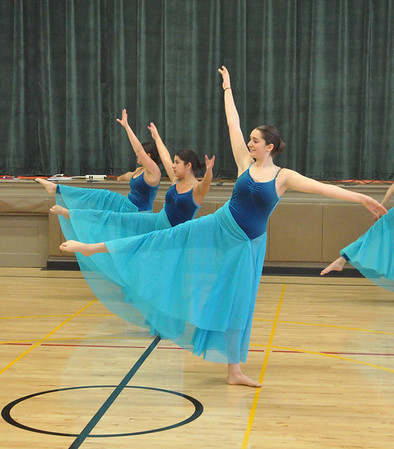 RB dancers perform at Ames
