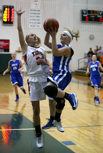 Sectional final WWS vs WN, girls hoops