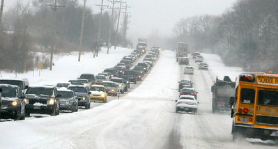 H. Rick Bamman - hbamman@shawmedia.com Ttraffic on Rt. 25 crawls south bound from Algonquin Rd . on Wednesday.