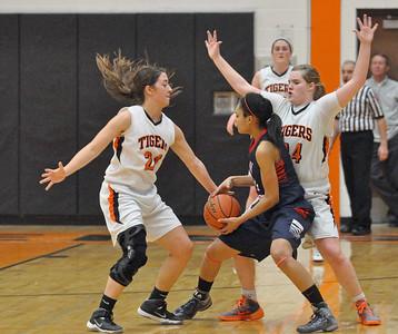 Wheaton Warrenville South hosts West Aurora girls basketball
