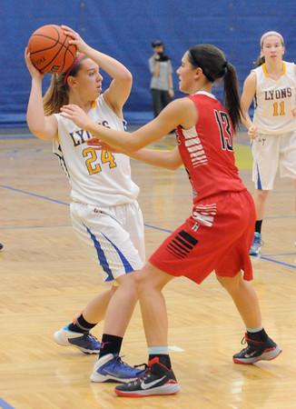 Hinsdale Central at Lyons Township girls basketball