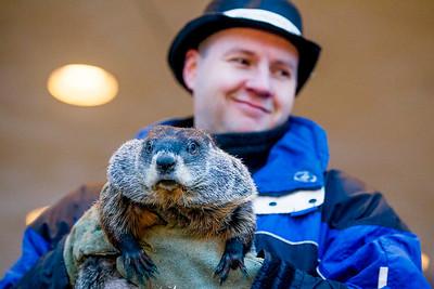 hnews_wed0203_Groundhogs_Day3.jpg