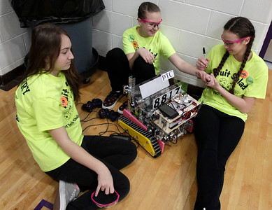 hnews_sun0214_FIRST_Robotics_02