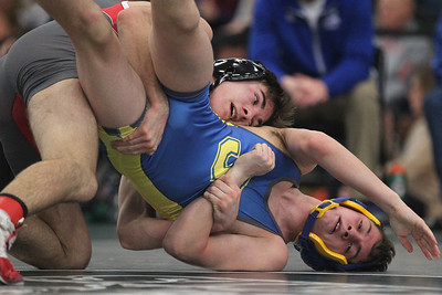 hspts_0210_Wrestling_Sectionals_