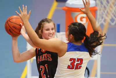 Dundee Crown hosts Crystal Lake Central Girls Basketball