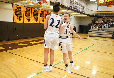 St. Viator faces Johnsburg in Class 3A Carmel Sectional semifinal