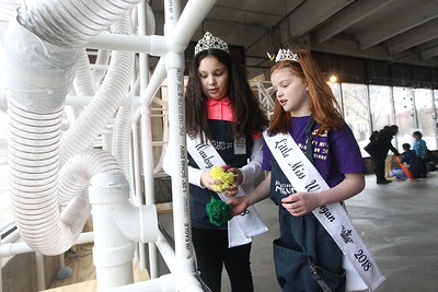 Candace H. Johnson-For Shaw Media Maritza Escamilla, 10, and Brooklyn Smith, 8, both 2018 Waukegan queens, play in the AirMazing Station at the Kohl Children's Museum pop-up museum at the Urban Edge storefront gallery on Clayton Street in downtown Waukegan. The pop-up museum will be open until March 23rd. (2/16/19)