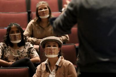 hnews_0224_Curtains_Rehearsal