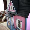 knews_thu_601_ELB_dollhouses3