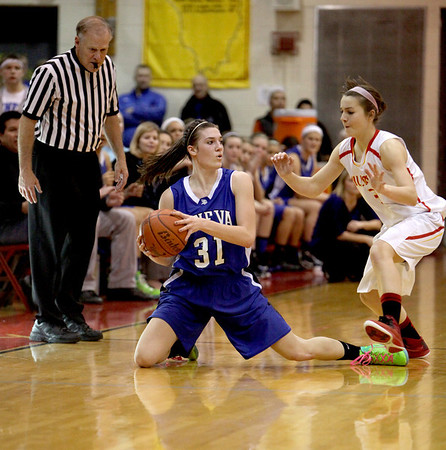 Geneva's Sami Pawlak (31) scrambles for the ball during their game at Batavia Friday night.(Sandy Bressner photo)