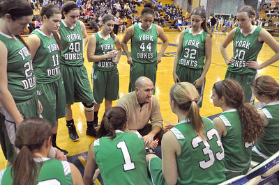 York head coach John Constable talks to his team during a fourth quarter timeout while holding a lead over Lyons Township in La Grange on Saturday, Jan. 26, 2013. Bill Ackerman — backerman@shawmedia.com