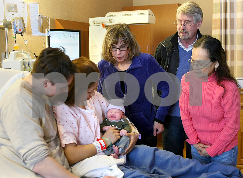 dnews_0102_baby.new.year