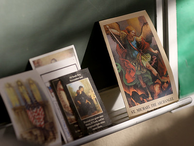 hcomm_adv_prayer_cards