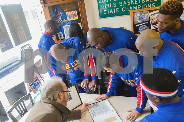 dnews_0108_HarlemGlobetrotters8