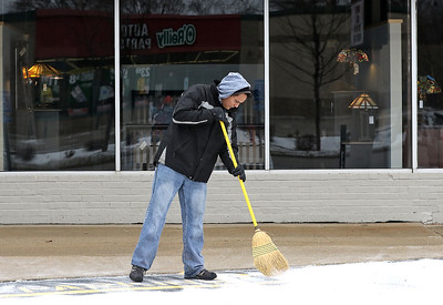 hnews_fri127_snow_sweeper