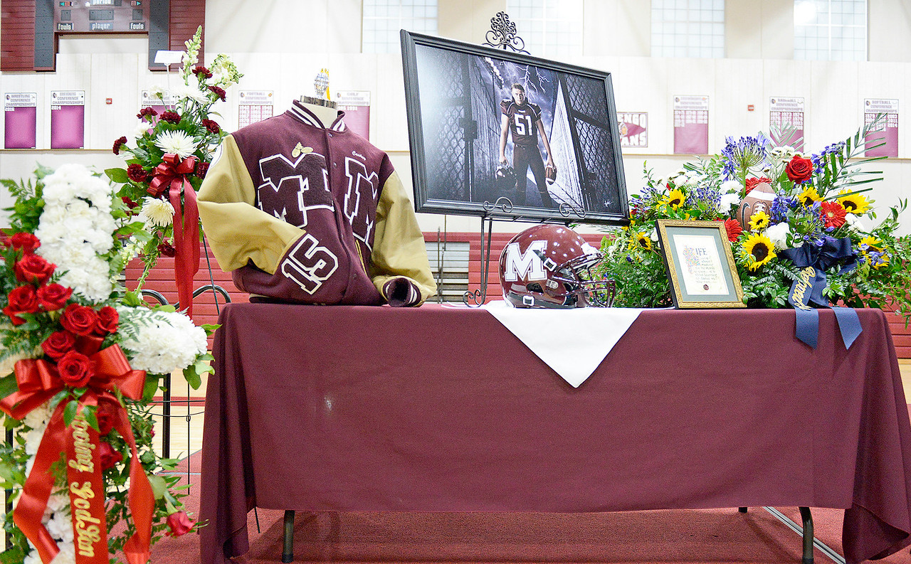 Kayla Wolf - For Shaw Media Derek Caskey, a former Marengo football player, and Marengo class of 2015 graduate died from cancer on January 17, 2017 at the age of 20. He played football for the Indians and was playing for the offensive line at Central College in Pella, Iowa.