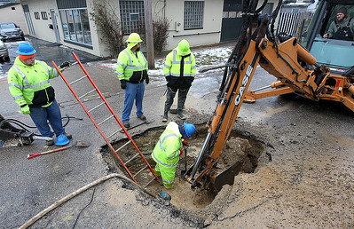 hnews_thu0111_mch_water_main_break