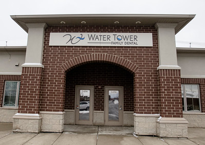 hnews_wed0124_water_tower_Dental_01.jpg