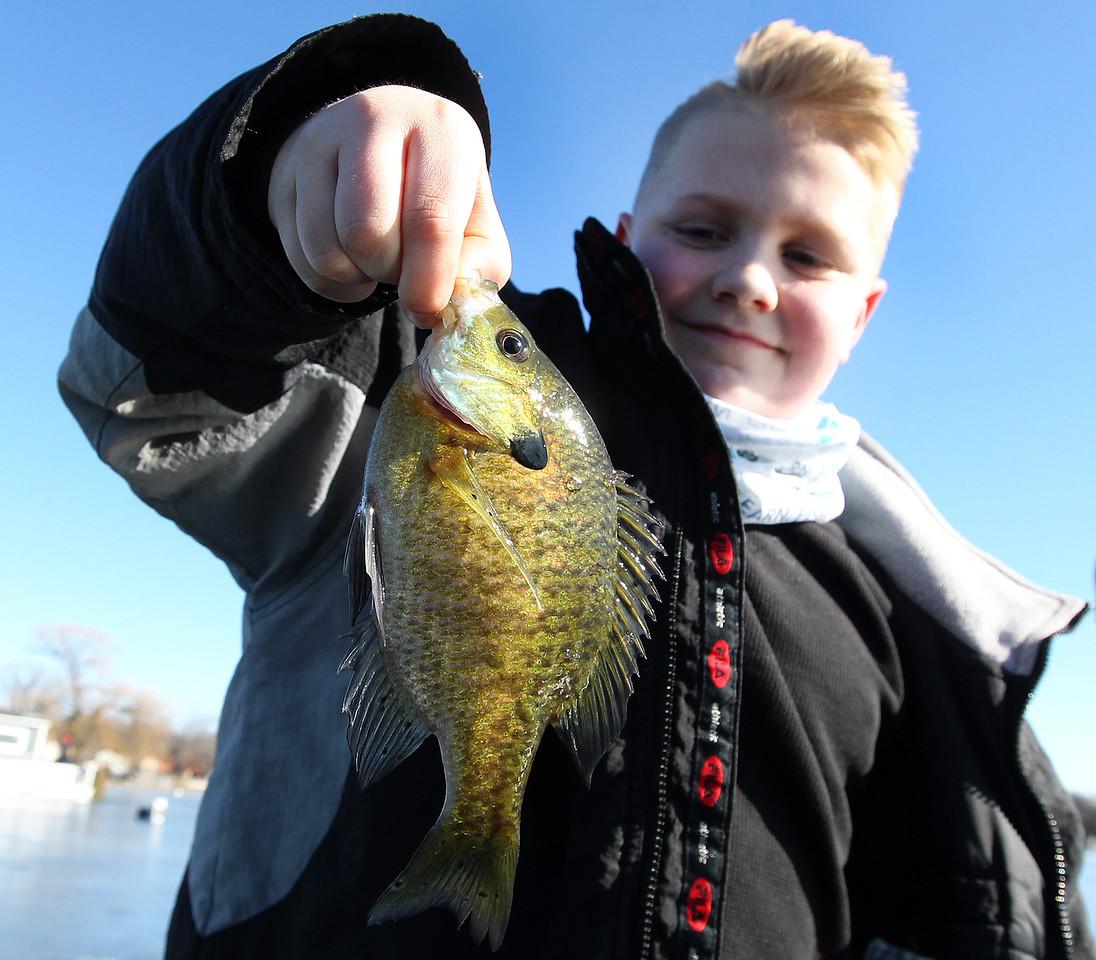 LCJ_0201 Wau_fishing_derby04