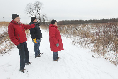 Candace H. Johnson-For Shaw Media Volunteer Dan Haller, of Pleasant Prairie, Wis., gives a Bog Tour to Chris and Maureen Degen, of Lake Zurich during WinterFest at the Volo Bog State Natural Area in Ingleside. (1/12/20)