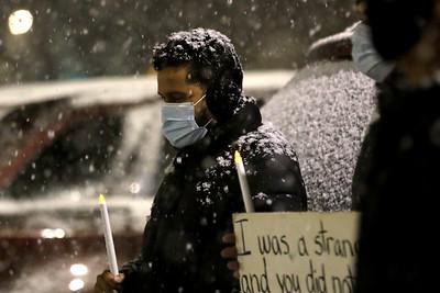 hnews_0119_ICE_Vigil