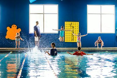 Hnews_Sun_0720_dolphin_swim_1b.jpg