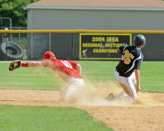 Hinsdale South wins baseball semifinal
