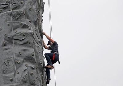 2A_adv_Climbing_Up