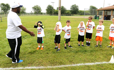 hnews_adv_bears_youth_camp2