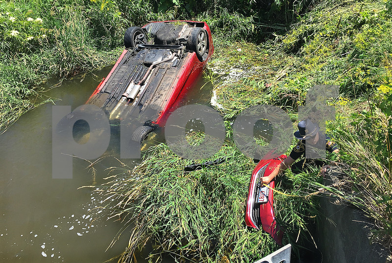 dnews_1_0707_CarCreekAccident