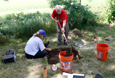 hnews_adv_archaeology_field_school6