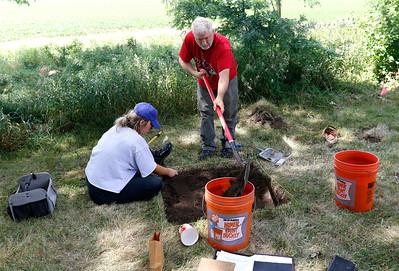 hnews_adv_archaeology_field_school6