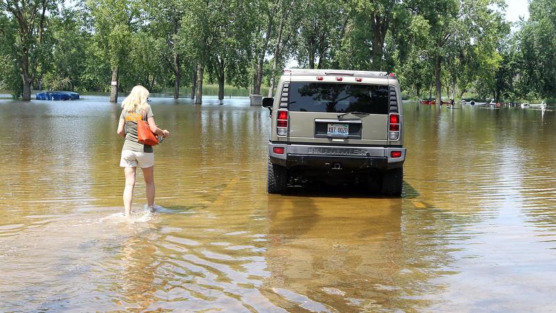hnews_tue718_flooding04