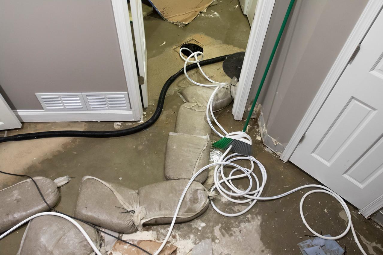 hnews_thur0727_Flood_Lakewood_05.jpg