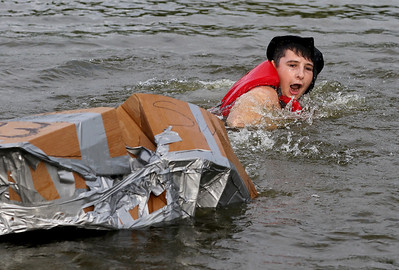 hnews_0726_Cardboard_Regatta_