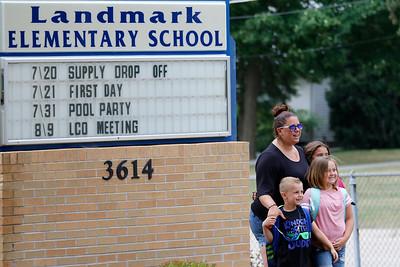 hnews_0721_First_day_school