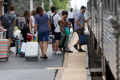 hnew_0729_lollapalooza_commuters