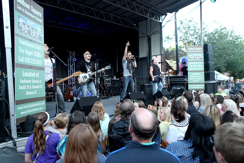 The band 7th Heaven performs on the main stage during the Swedish Days Festival Tuesday evening in Geneva.