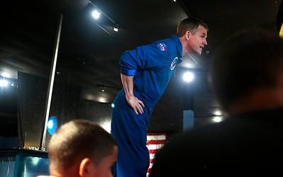 Hnews_Wed_0604_Astronaut_2.jpg