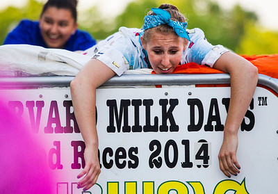 Hnews_thurs_0605_Bed_Races_3.jpg