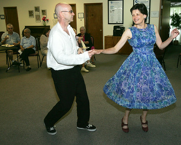 hcom_wed611_swing_dance