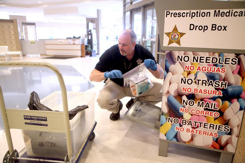 knews_fri_613_PrescriptionDrugDropOff1