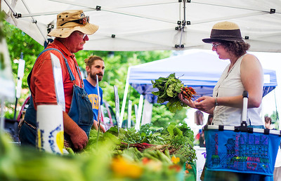 Hnews_Adv_Farmers_Market_health_1.jpg