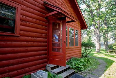 hStyle_adv_Haack_Cottage2.jpg