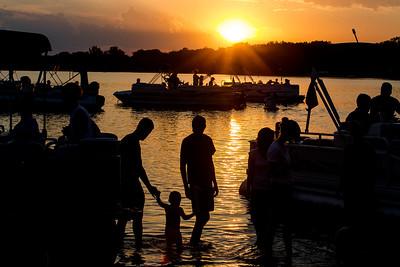 hCOM_adv_Sunset.jpg