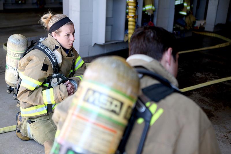 knews_wed_610_femalefirefighters2