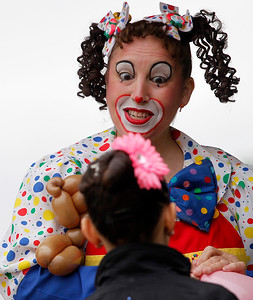 2A_adv_Lollipop_Clown