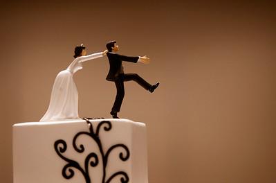 hnews_sat0620_Wedding_Decline_01