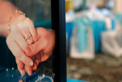 hnews_sat0620_Wedding_Decline_04