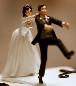 hnews_sat0620_Wedding_Decline_02